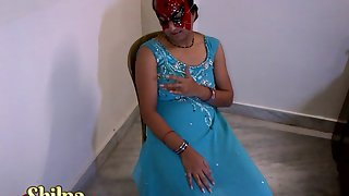 Sexy Shilpa Bhabhi Stripping Teasing XXX Porn