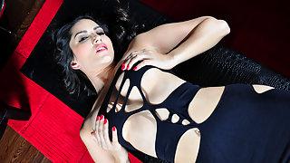 Sexy Sunny Leone Fingering Wet Pussy XXX Porn