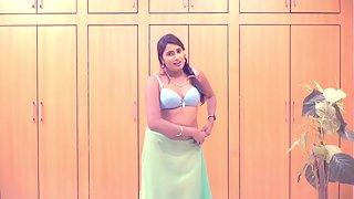 Tamil Sexy Big Tits Hot Babe Swathi Naidu