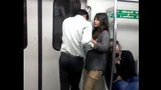 Indian Girl Hot Smooch In Delhi Metro