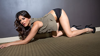Sunny Leone Hot Glamour Photoshoot XXX Porn