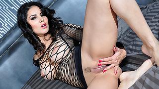 Sexy Beautiful Sunny Leone Masturbation XXX Porn